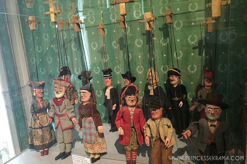 Marionnettes à tringle et à fils