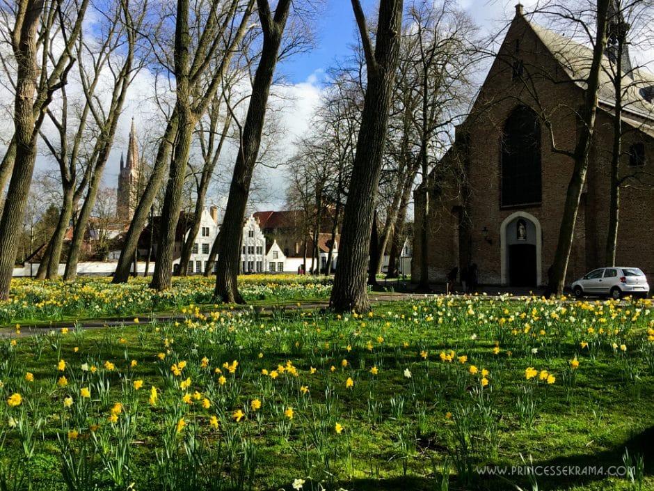 Visiter Bruges pour le béguinage