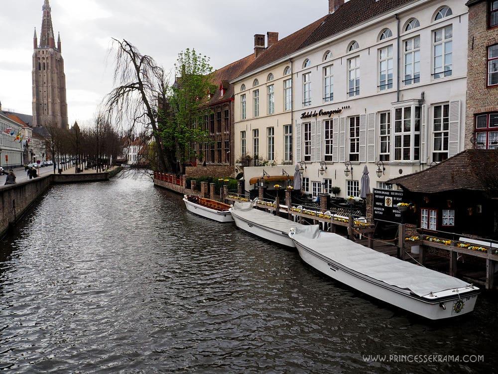 Visiter Bruges pour l'un de ses canaux