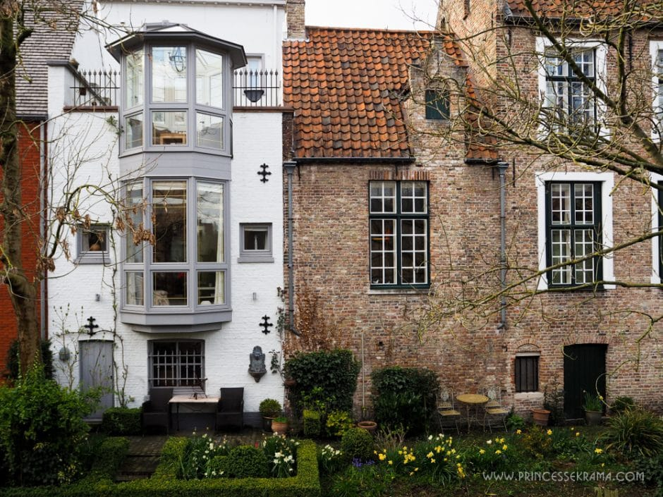 Maison à Bruges au bord du canal