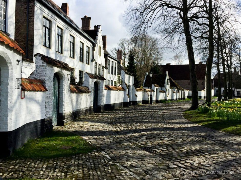 Visiter Bruges pour le béguinage - Maison des béguines à Bruges