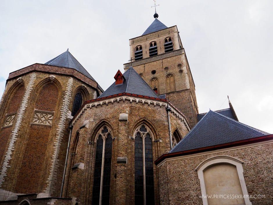 Visiter Bruges pour son église Saint-Jacques