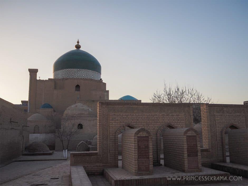 mausolee-pakhlavan-mahmoud